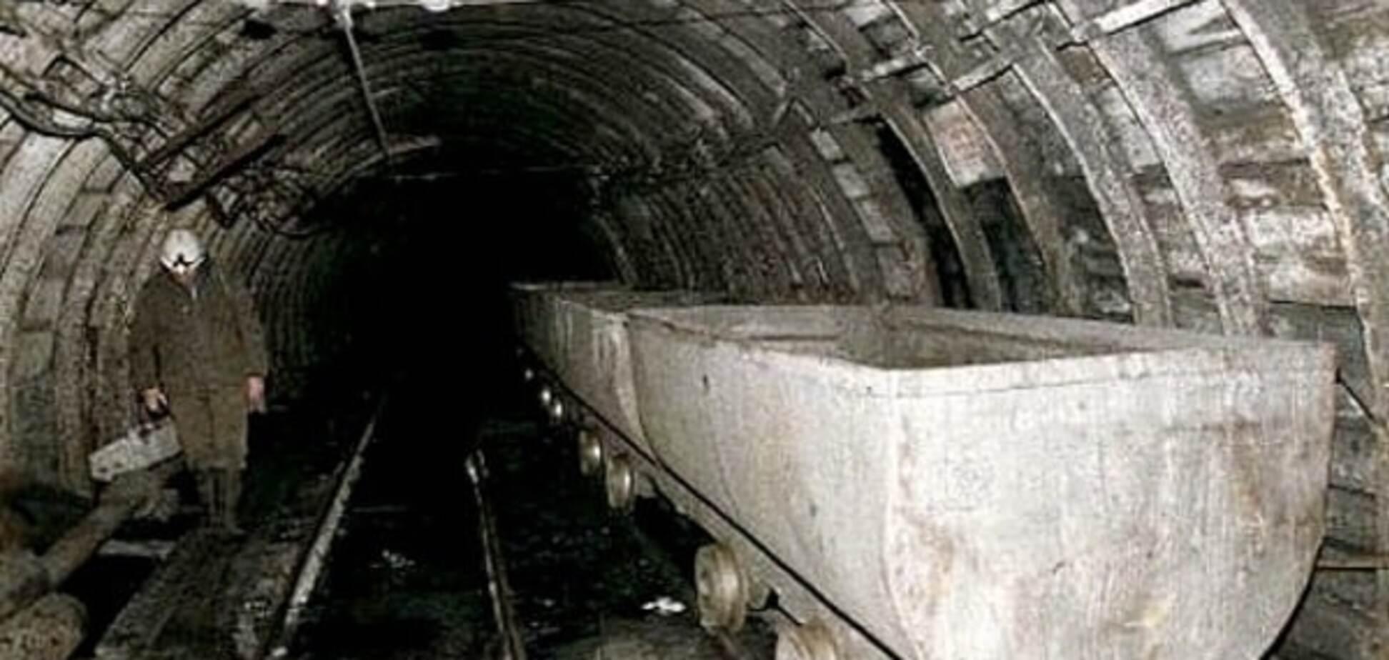 На Донеччині спалахнула шахта, де перебувало майже 600 осіб