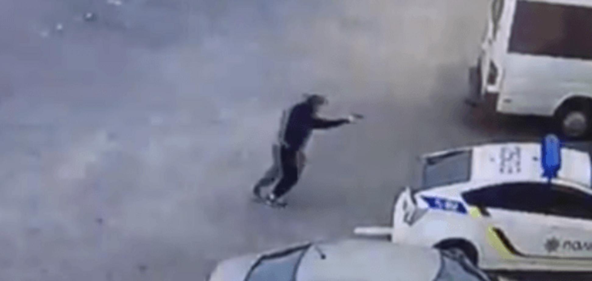 Появилось видео момента убийства полицейского в Днепре