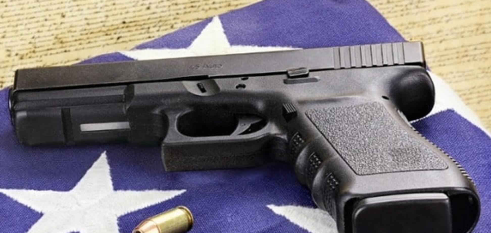Епідемія зброї: ринок зброї в Україні через призму дебатів кандидатів у Президенти США