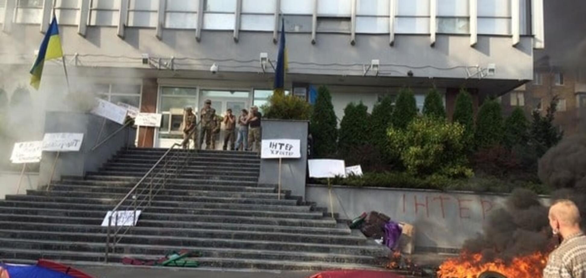 Пожежа на 'Інтері': журналісти заявили протест діям влади
