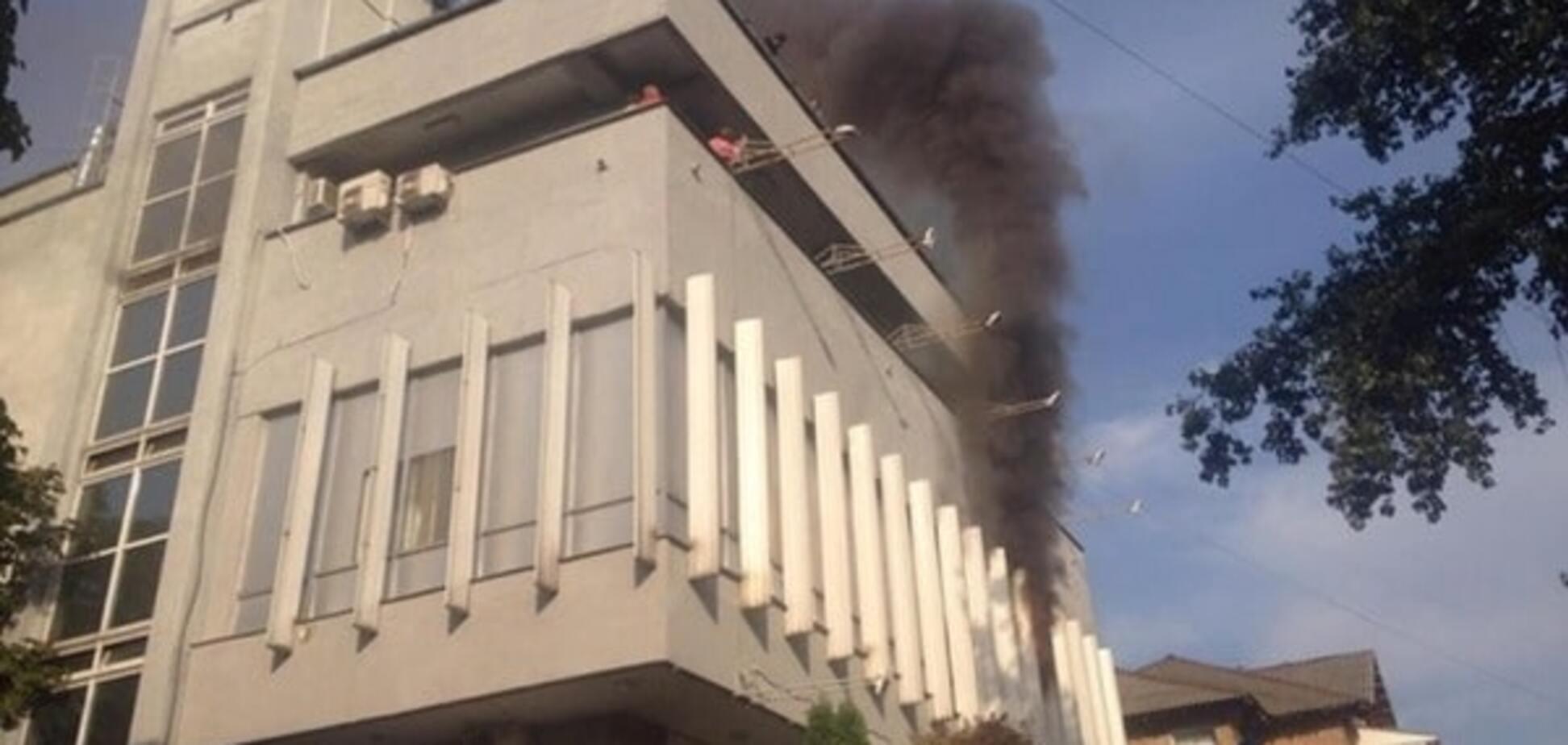 Пожежа в офісі Інтера: поліція вилучила відео з камер спостереження