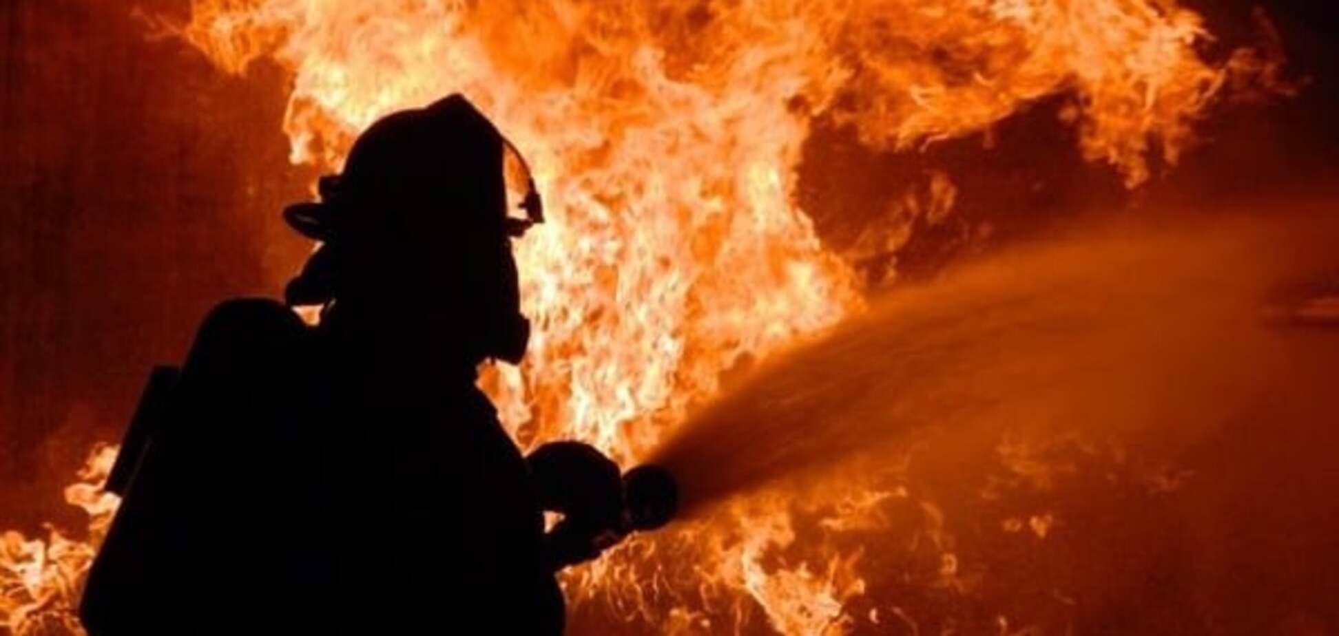 У Києві невідомі спалили чотири фури
