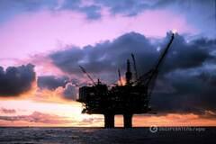 Саудовская Аравия и Россия договорились по нефти: цены тут же рухнули