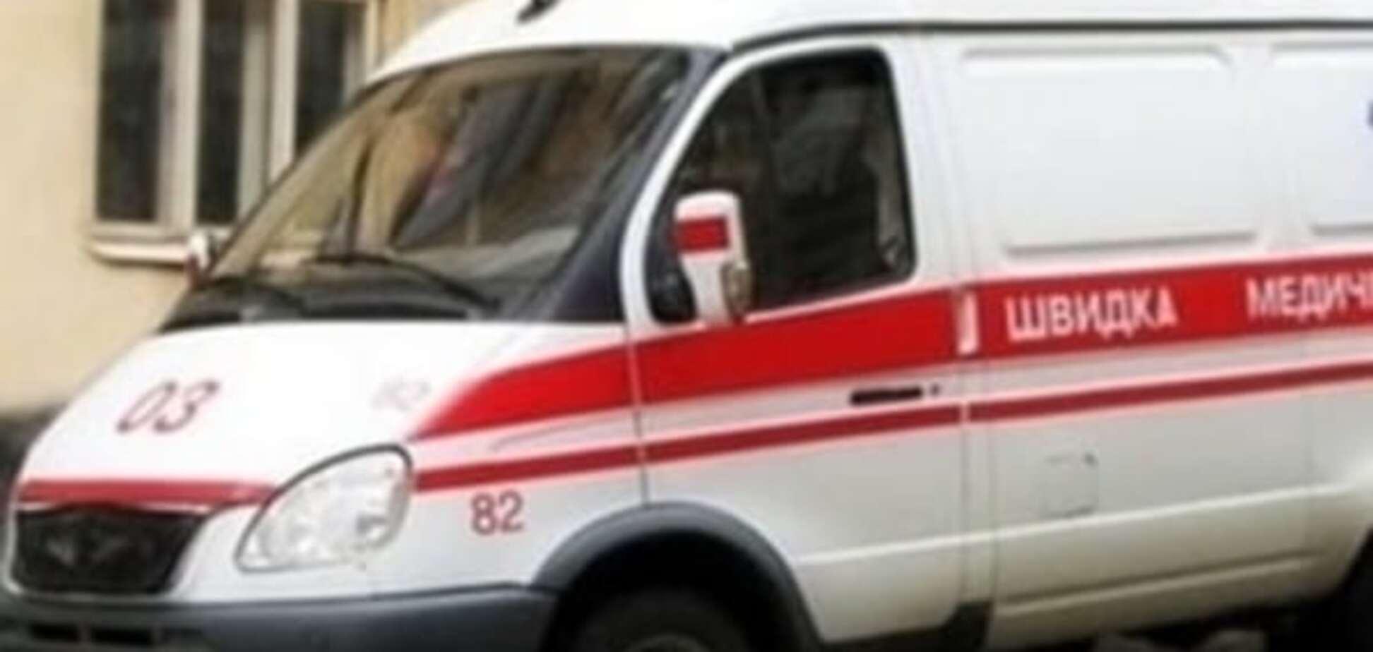 На стадіоні в Києві загинув чоловік, який впав із висоти