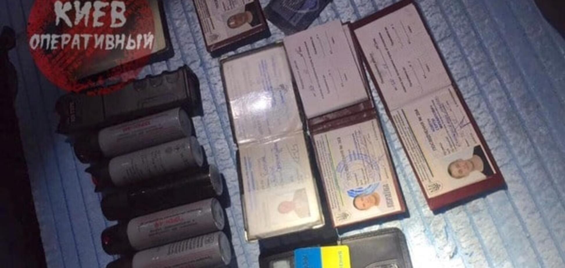 Зіткнення на київському будівництві: у затриманих знайшли 'ксиви' міліціонерів