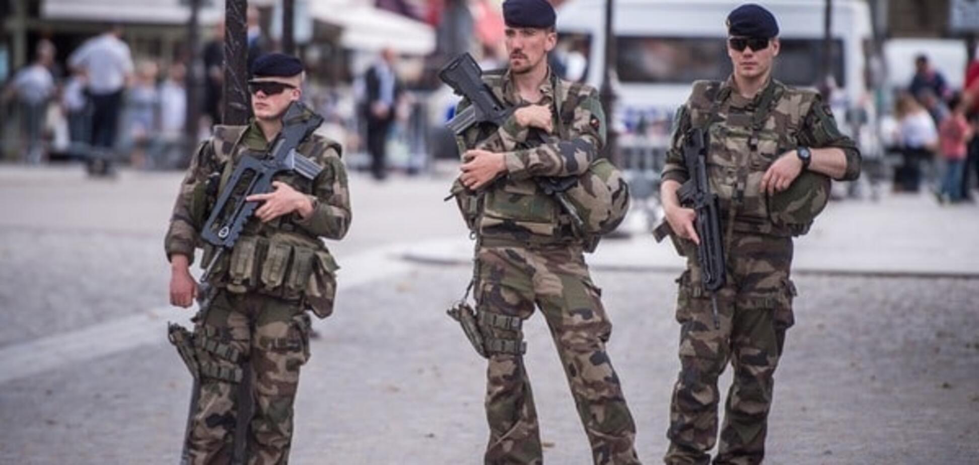 Перегар и лицо цвета прикуривателя: французский солдат заговорил с 'русским миром'