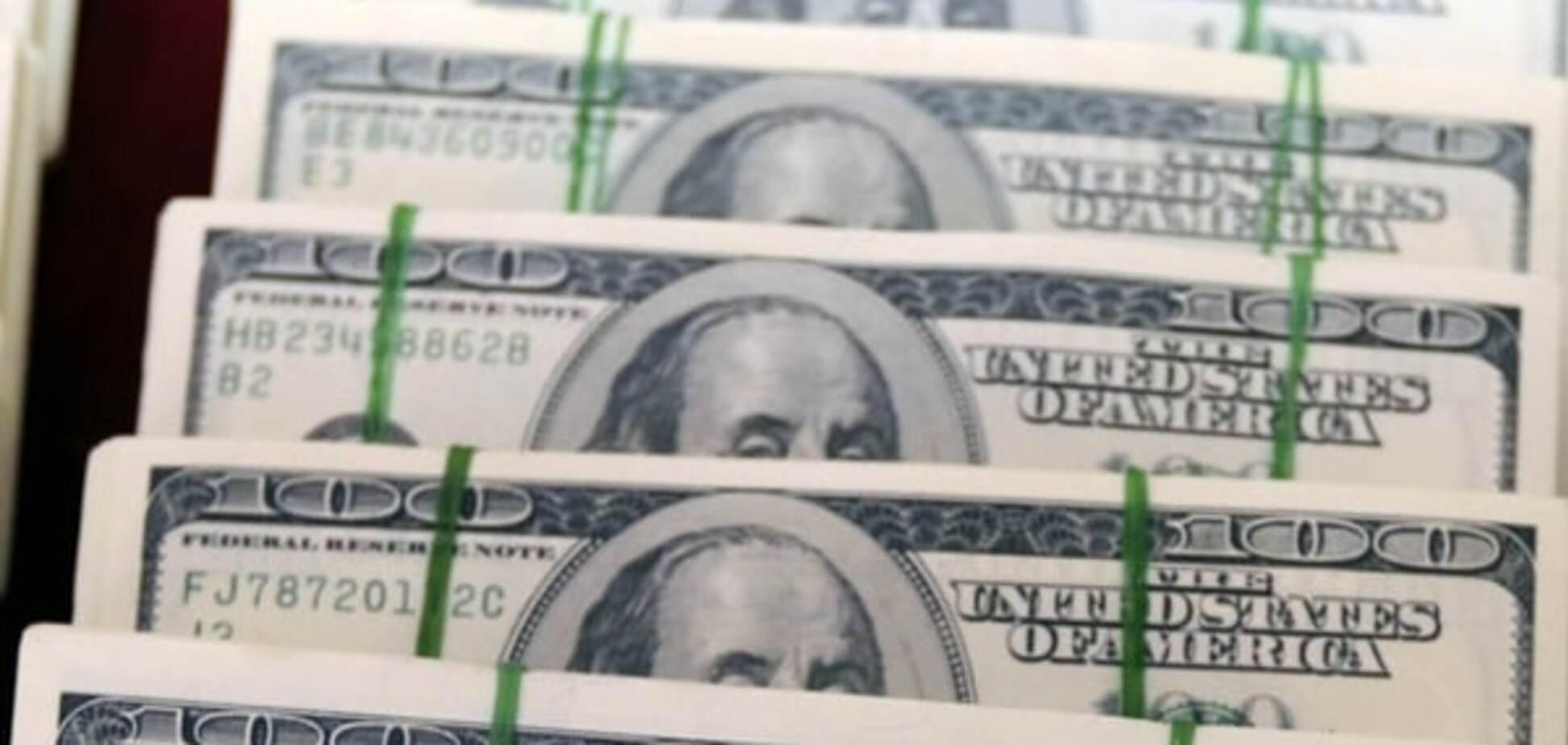 В Украине снова обвалился доллар: инфографика