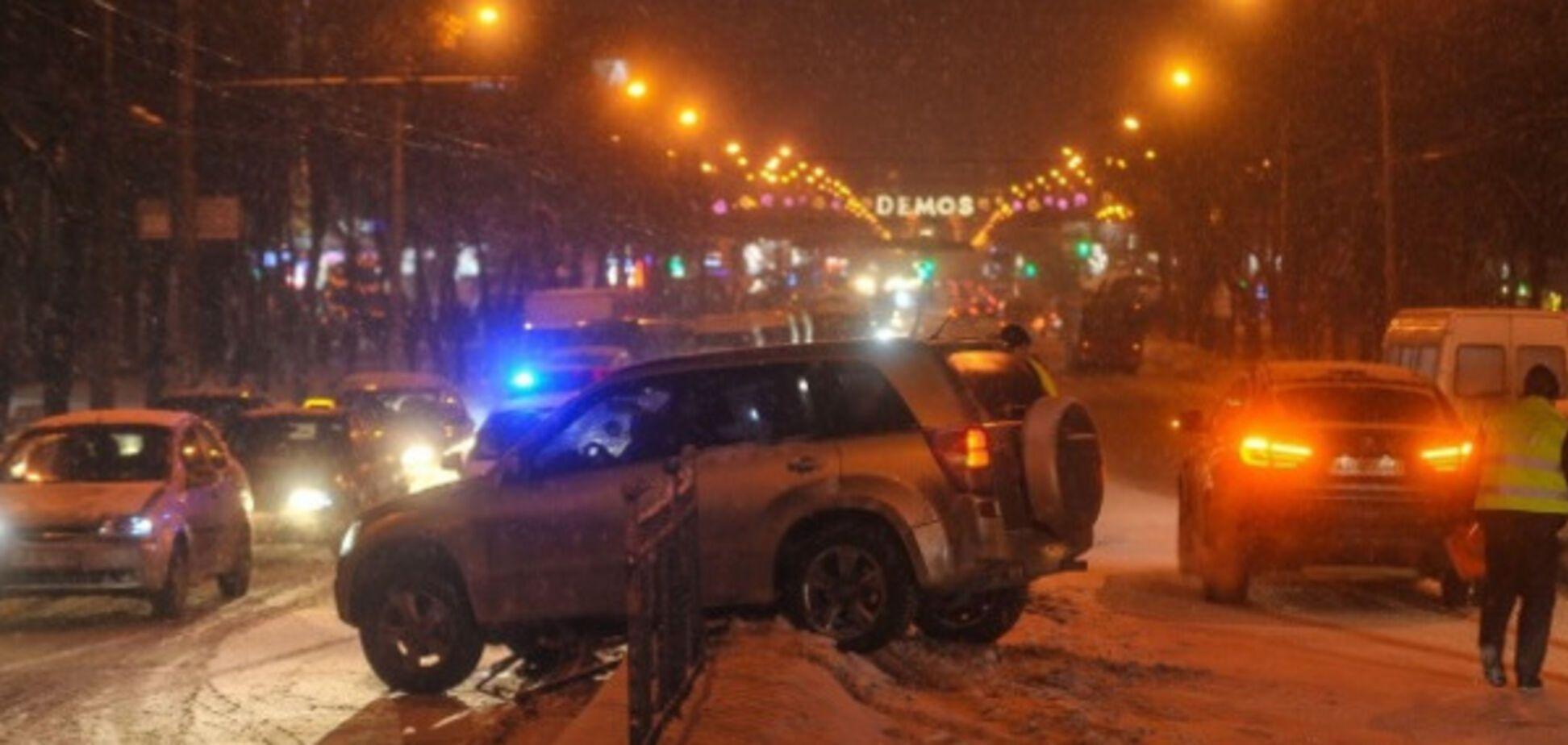 На заснеженном проспекте Соборном произошла авария