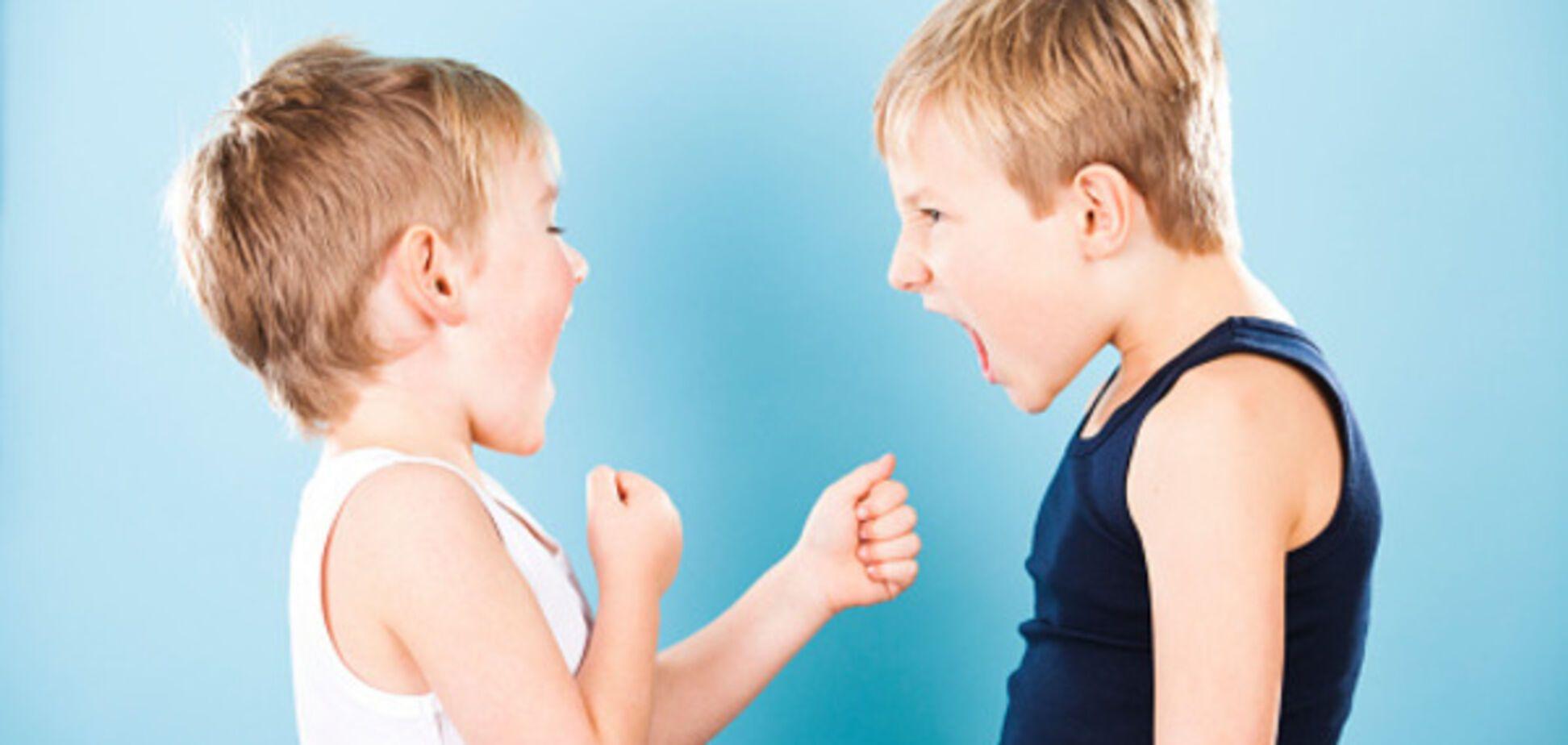 Вижити в дитячому колективі: як допомогти дитині, якщо її постійно дражнять