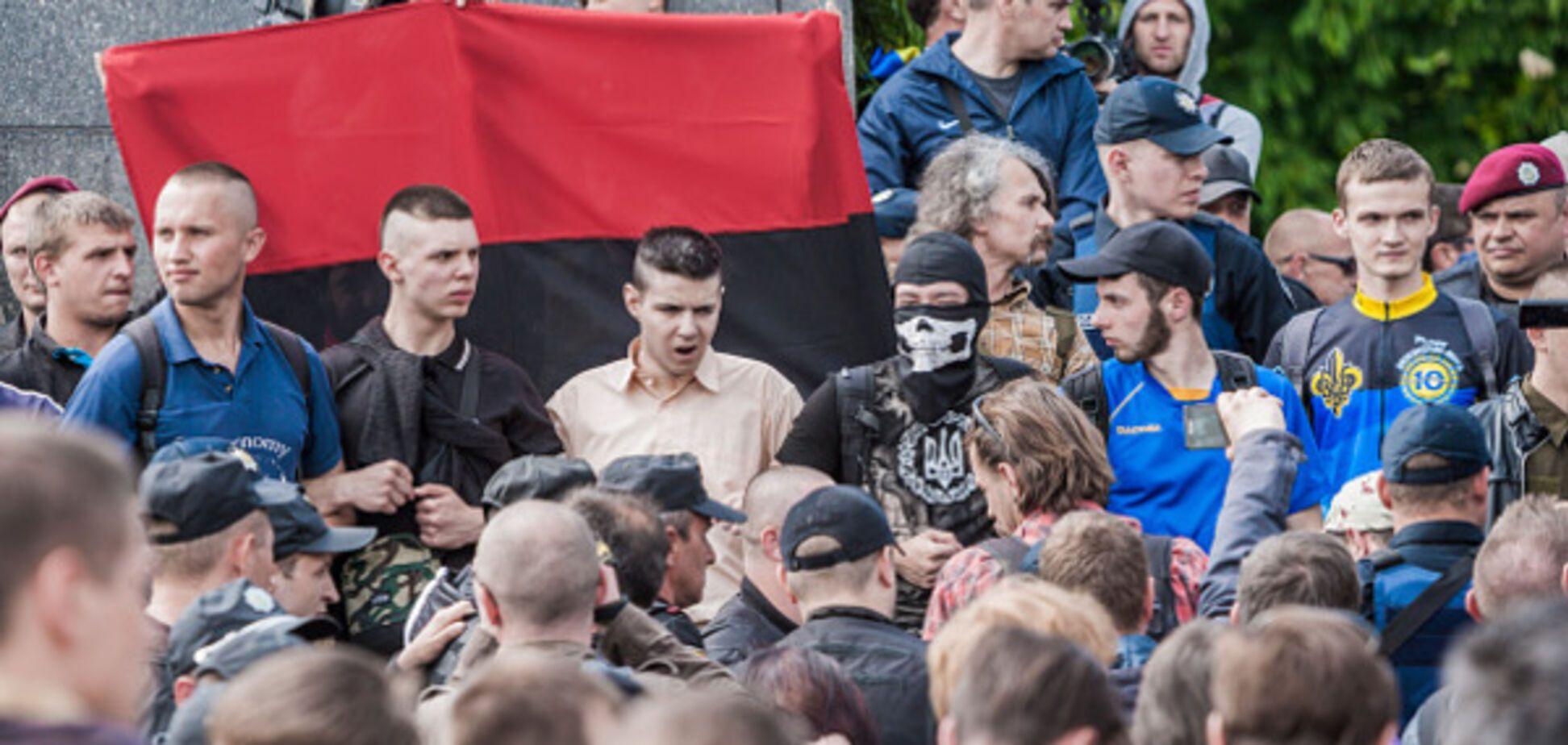 У националистов отреагировали на 'российский' скандал с каналом Пинчука