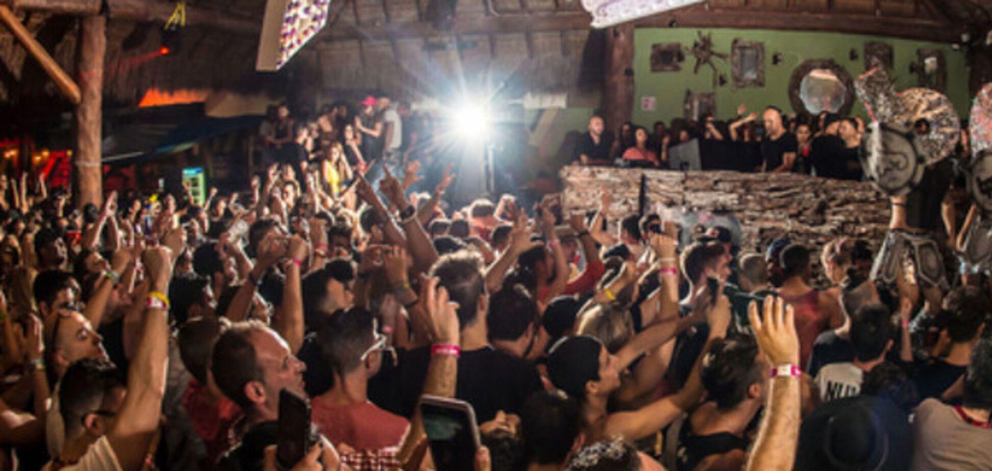 Клуб в Мексике