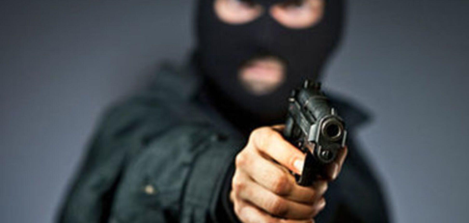 В центре Запорожья произошло ограбление: преступники открыли огонь