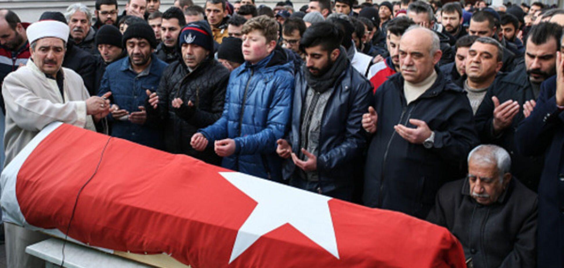 Кровавая расплата: Турция ответила на теракт в Стамбуле ударами по ИГИЛ