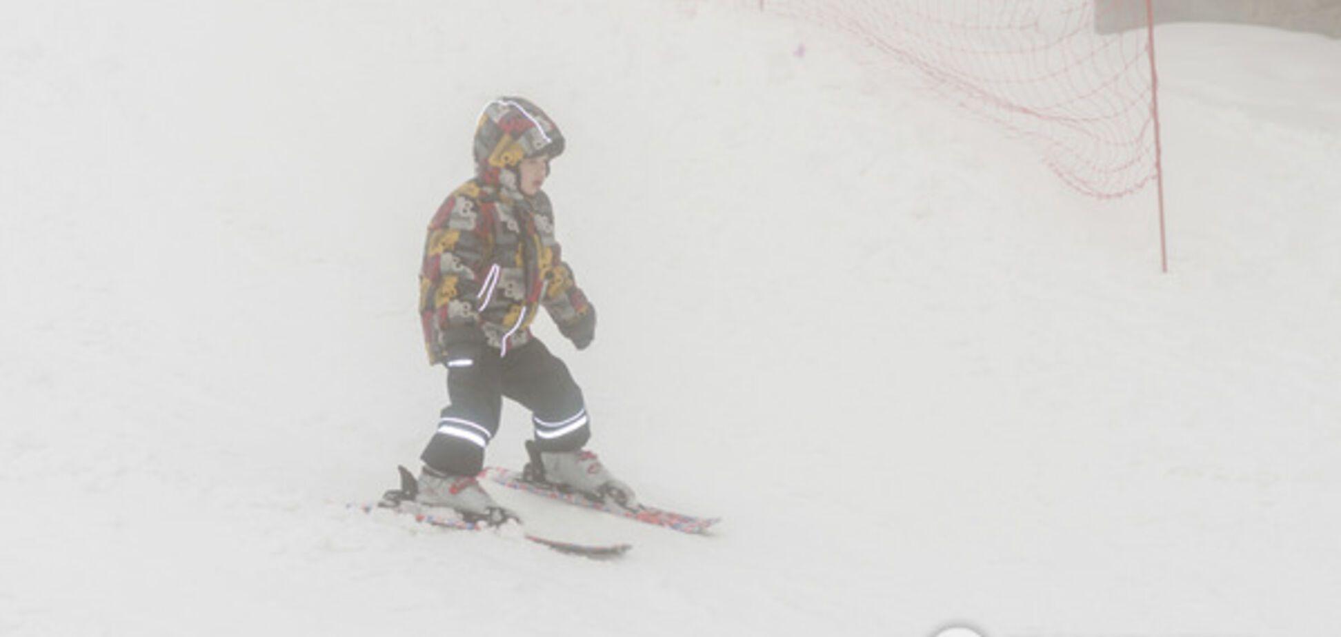 Стоит ли ставить малышей на горные лыжи: важная рекомендация