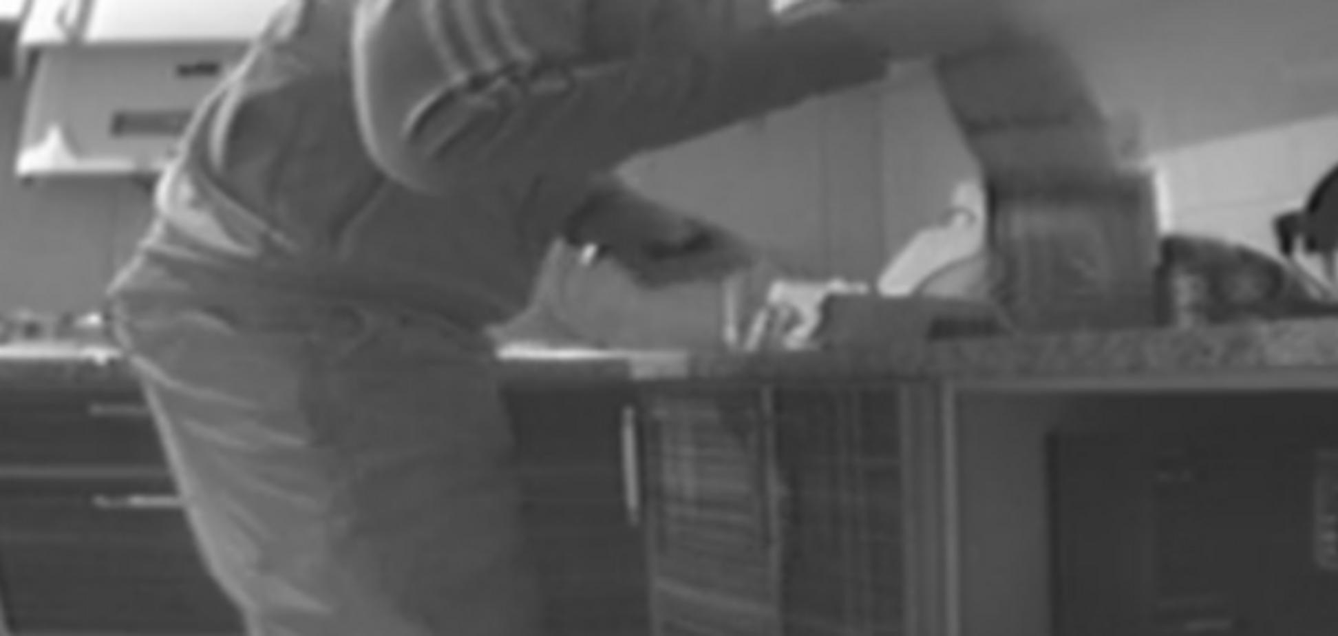 ГПУ сняла на видео, как запорожский прокурор употребляет наркотики (ВИДЕО)