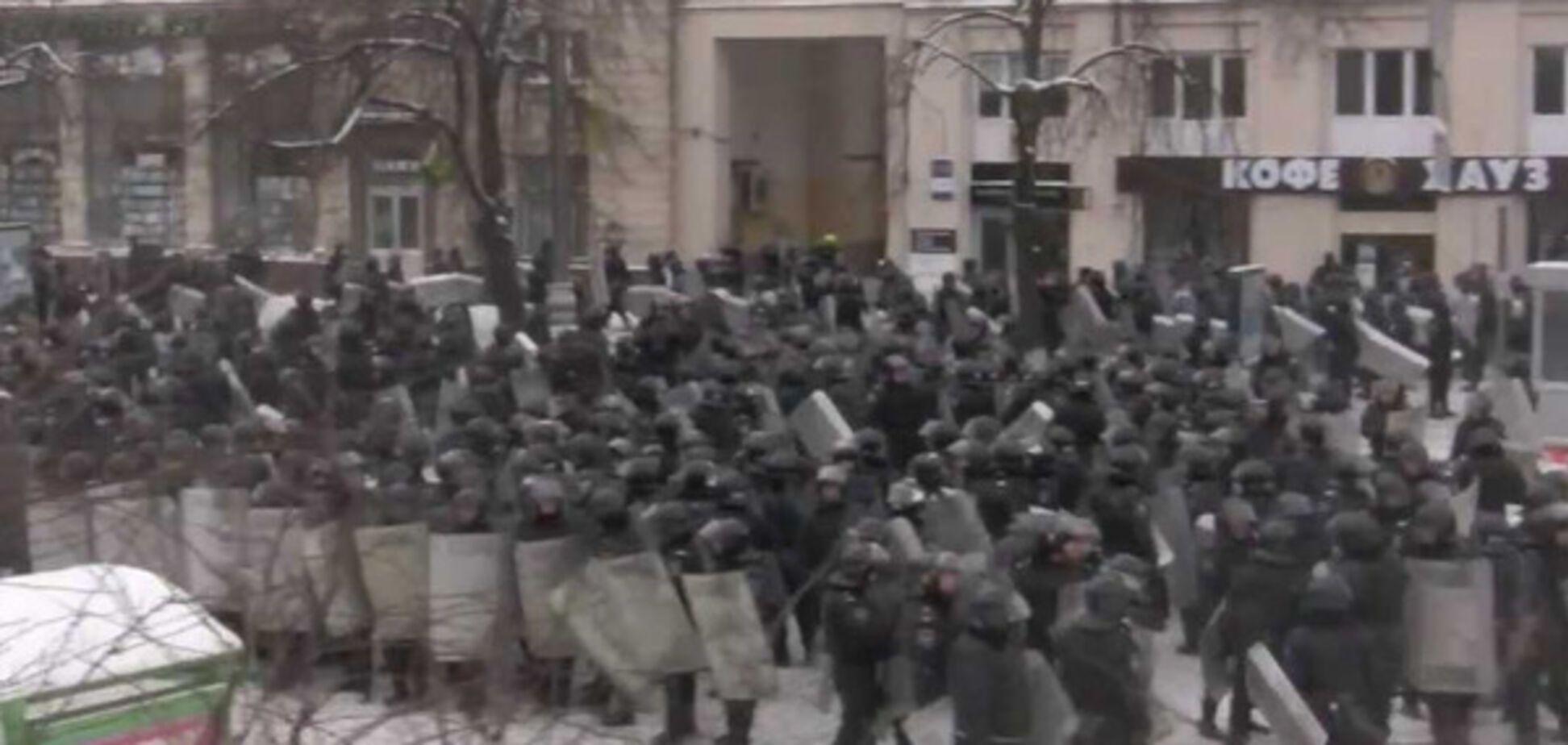 Атака Беркута на Грушевского