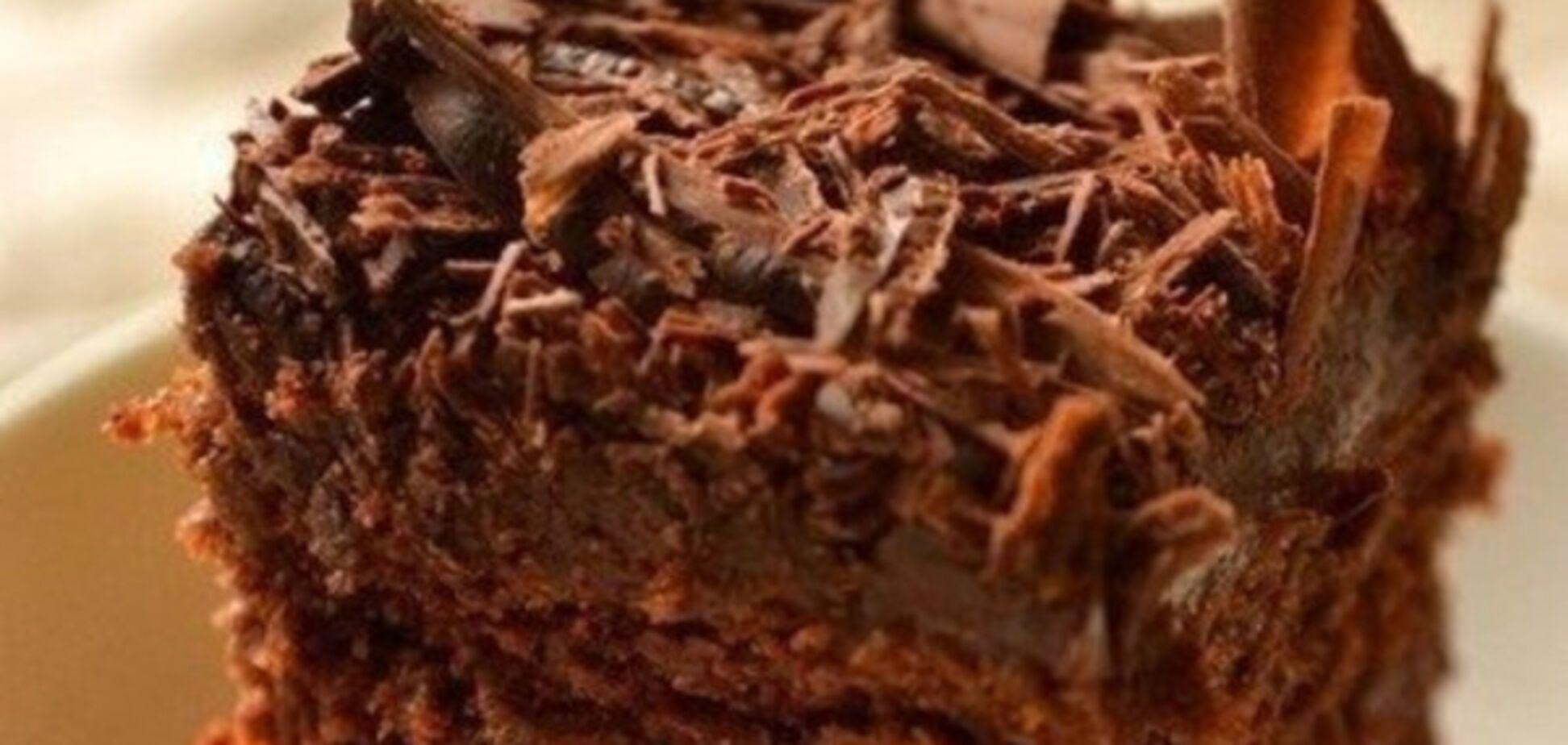 Само совершенство: рецепт сочного шоколадного пирога без яиц