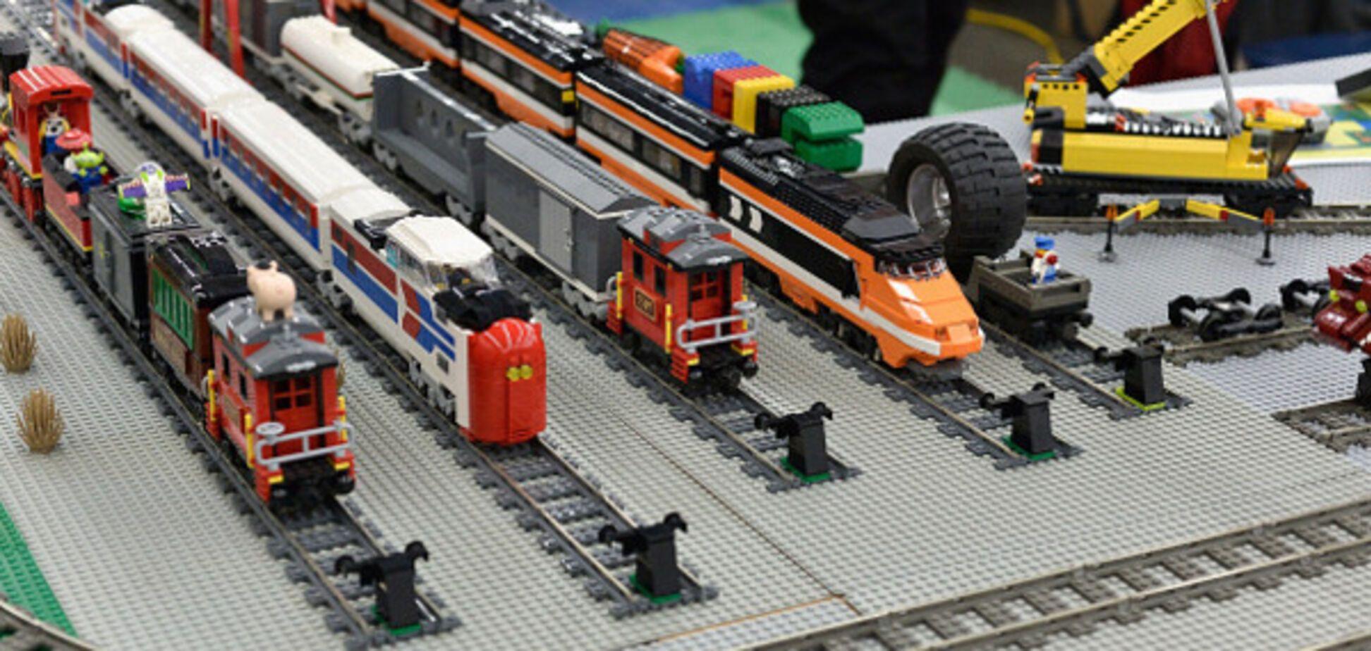 Мечта любого ребенка: сеть восхитило видео самой длинной игрушечной железной дороги