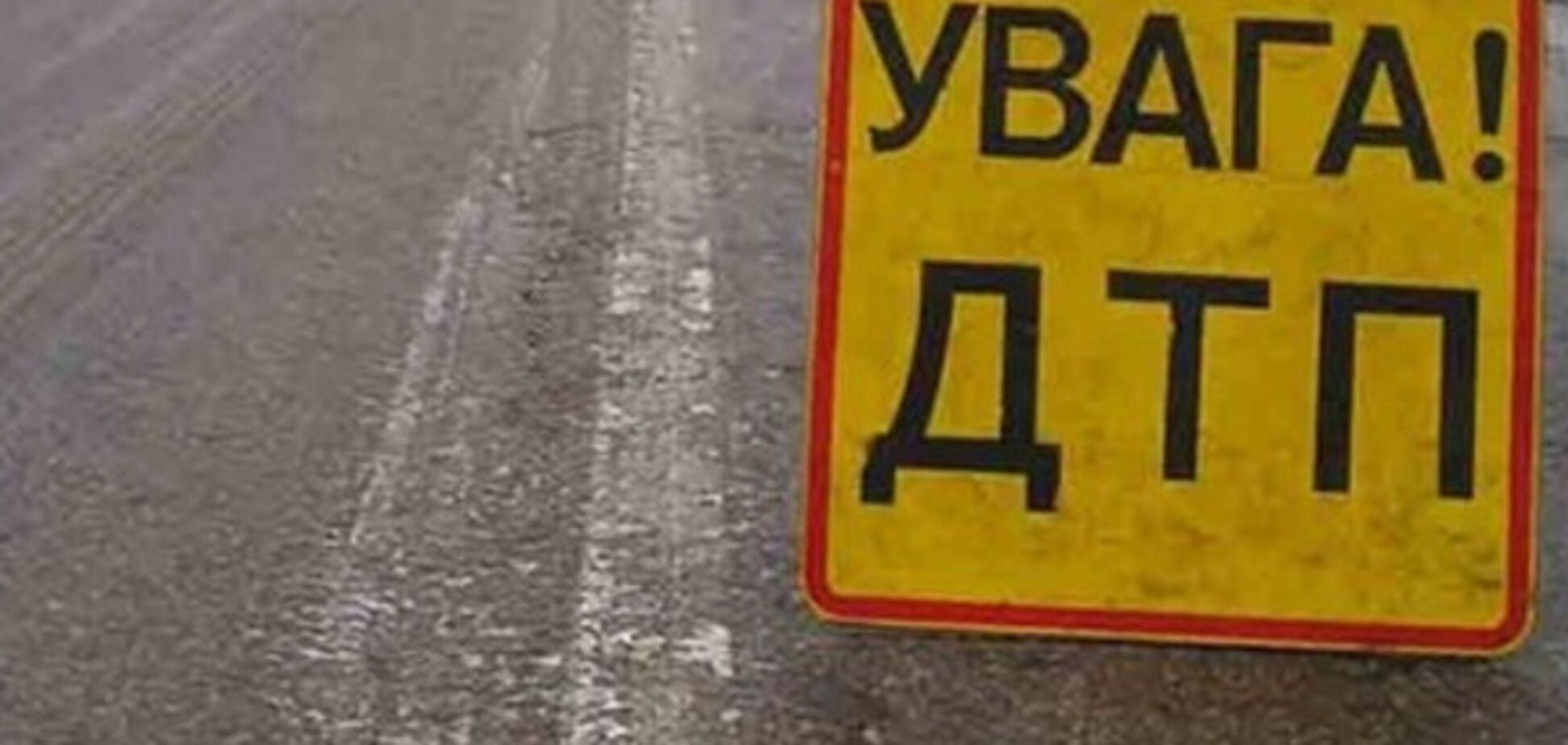 В Запорожье на Южном шоссе перевернулось авто. Есть пострадавшие