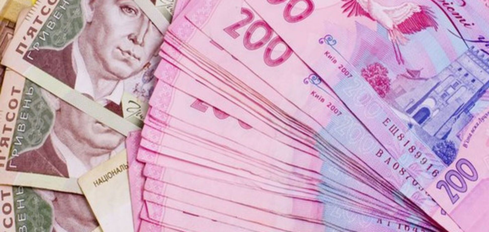 100 нардепов компенсировали свои затраты на зарубежные поездки