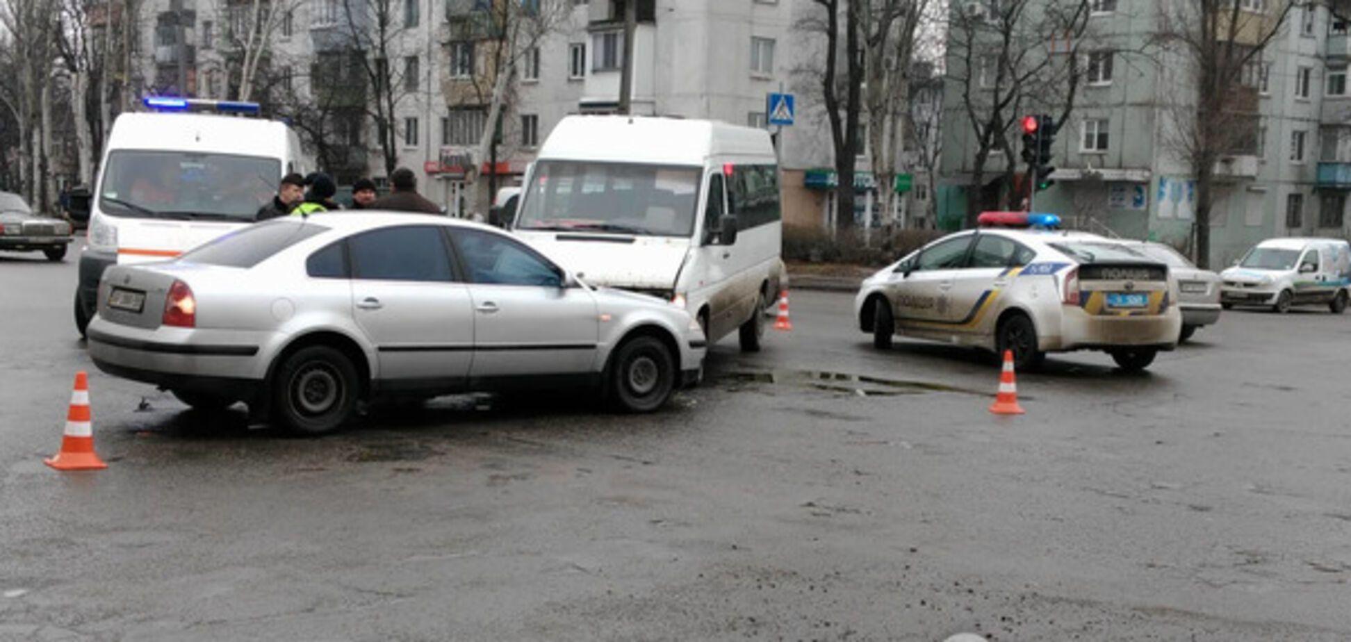В Запорожье произошла авария с маршруткой. Есть пострадавшие