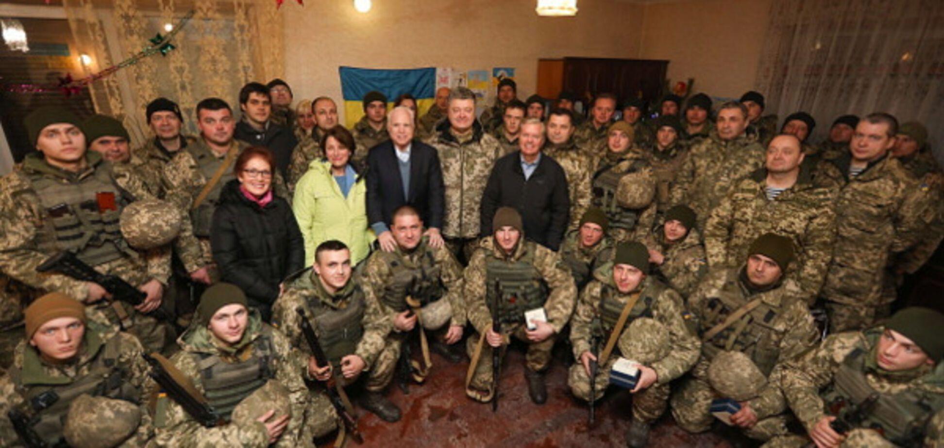 Порошенко на встрече с украинскими военными 31 декабря