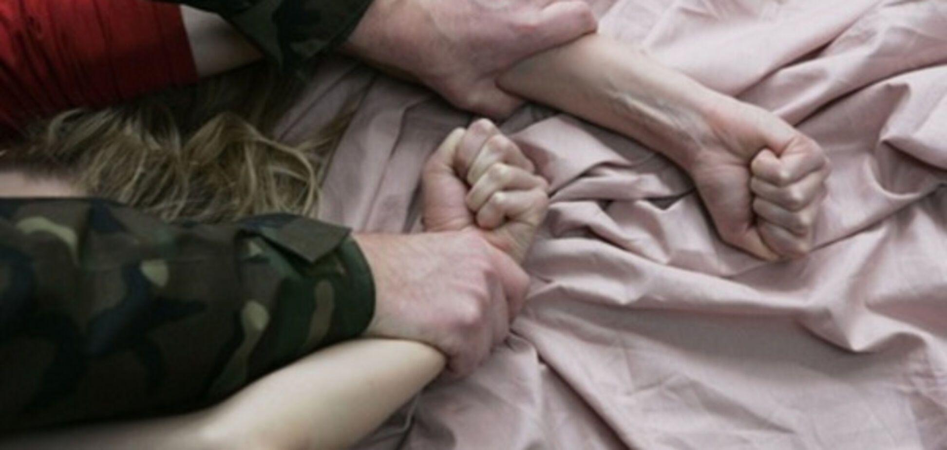 Російські військові зґвалтували жінку