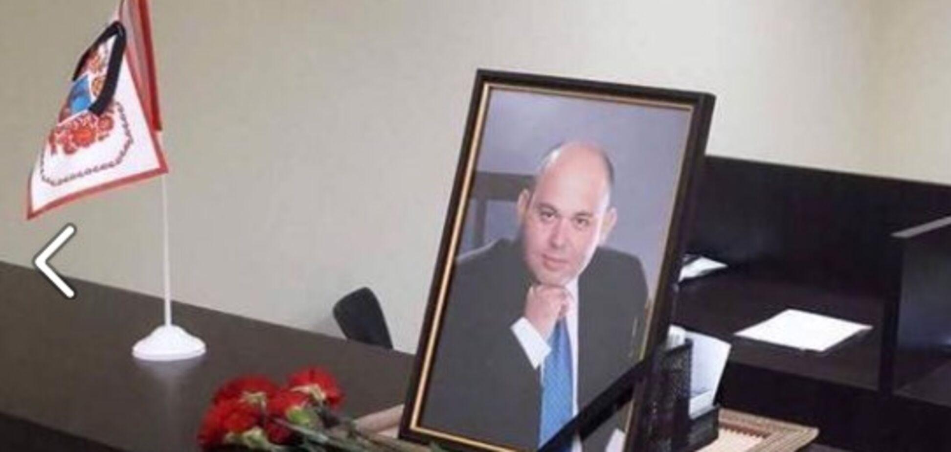 У жінок підкошувалися ноги: понад 1000 осіб провели в останню путь розстріляного в Черкасах депутата