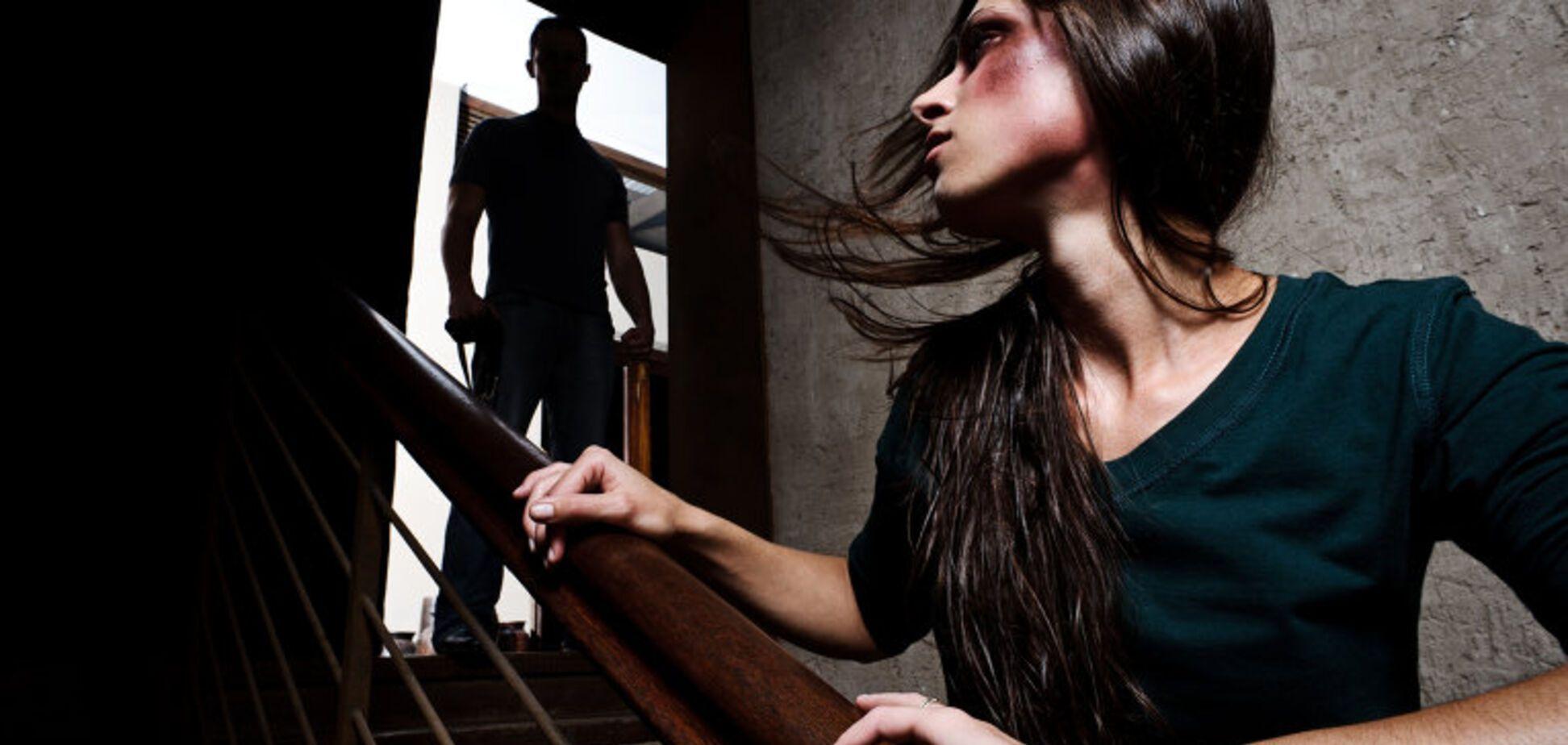 Ежедневно насилию подвергаются миллионы женщин
