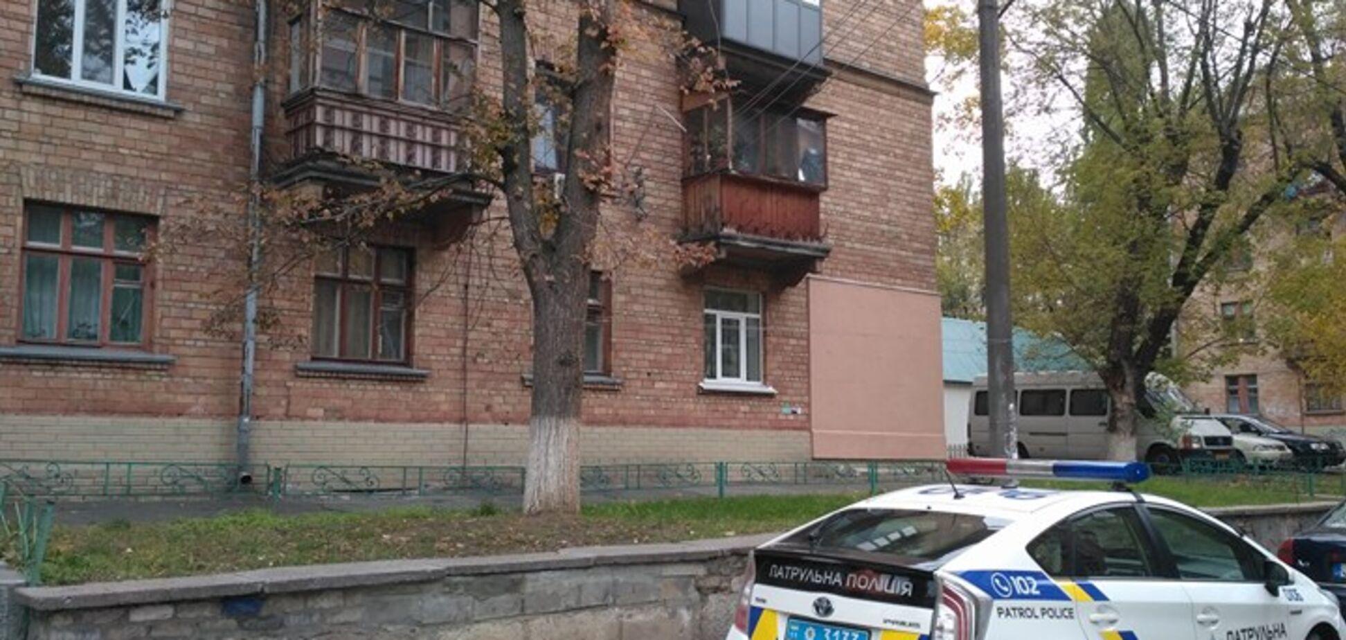 У Києві невідомий відкрив стрілянину з вікна житлового будинку