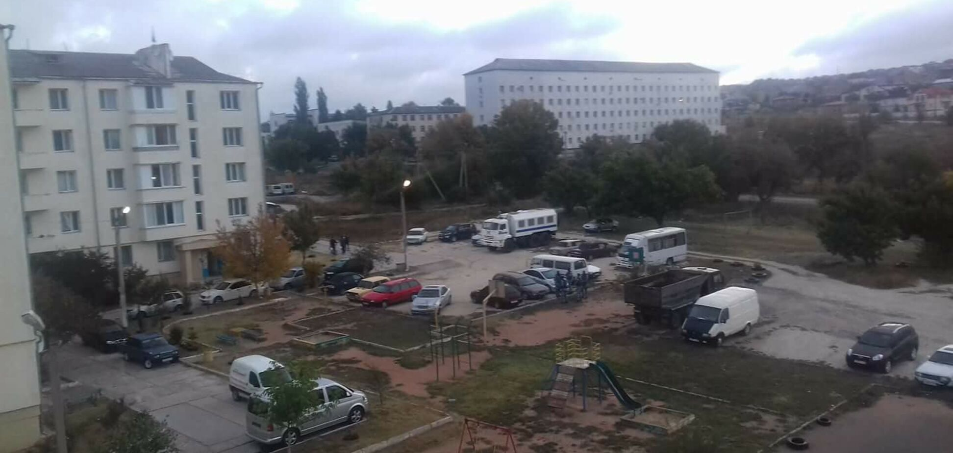 Шьют терроризм: силовики оккупантов устроили обыски у крымских татар в Бахчисарае