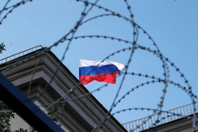 Financial Times: Россия начала готовиться к десятилетию санкций