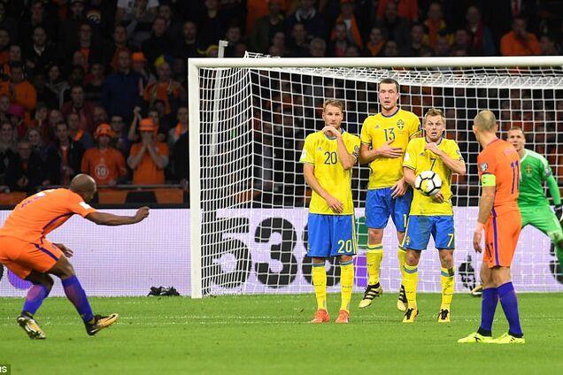 Футболист сборной Нидерландов эпично оконфузлися на тренировке: появилось забавное видео