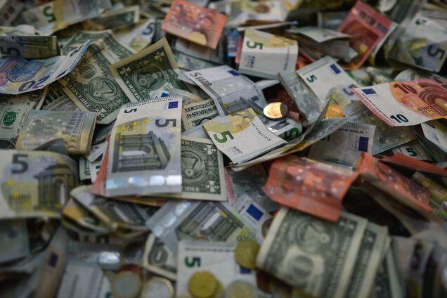 Годовой бюджет Украины: в ГПУ сообщили, где Янукович прячет награбленные деньги