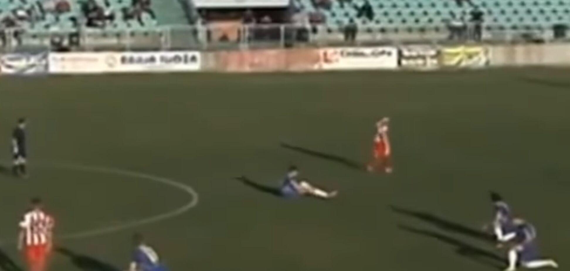 Боснійські футболісти зробили екстраординарний вчинок під час матчу, протестуючи проти судді: відеофакт