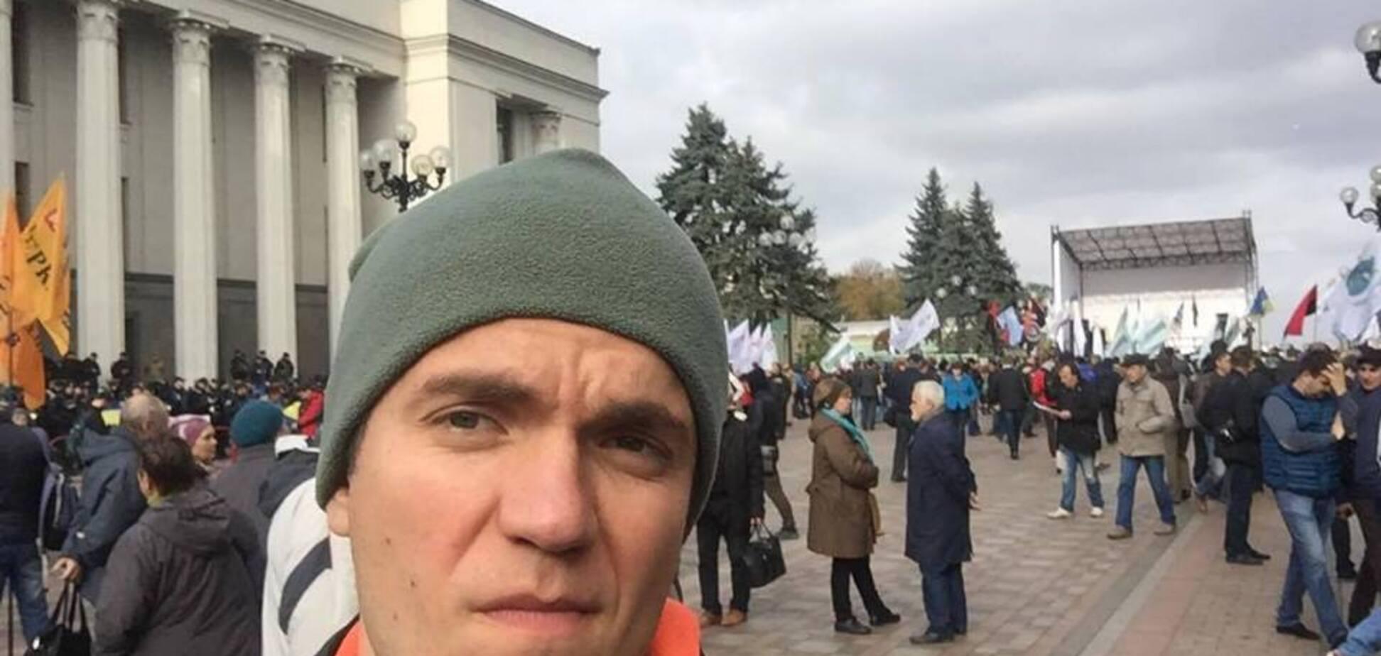 ''Колоннами по трое'': волонтер рассказал о хитрых титушках на протесте в Киеве. Источник: Виталий Дейнега