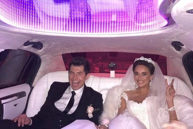 Роскошное платье, каравай и бывшая жена: украинский шоумен показал фото пышной свадьбы