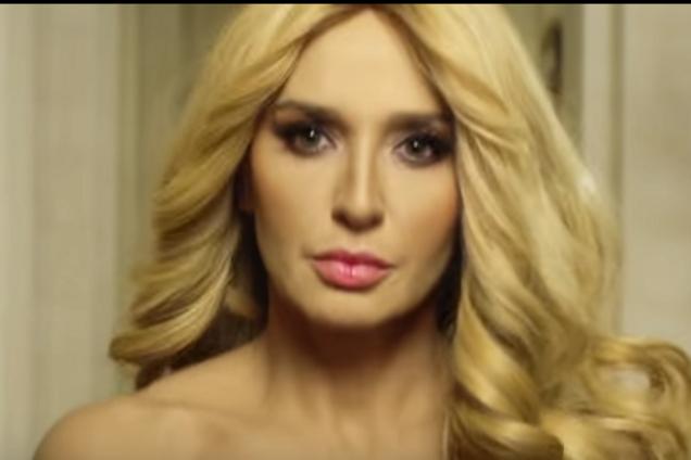 Жену украинского кума Путина раздели на ТВ и отправили строить