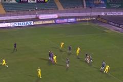 Украинский футболист забил фантастический победный гол с 30 метров: опубликовано видео