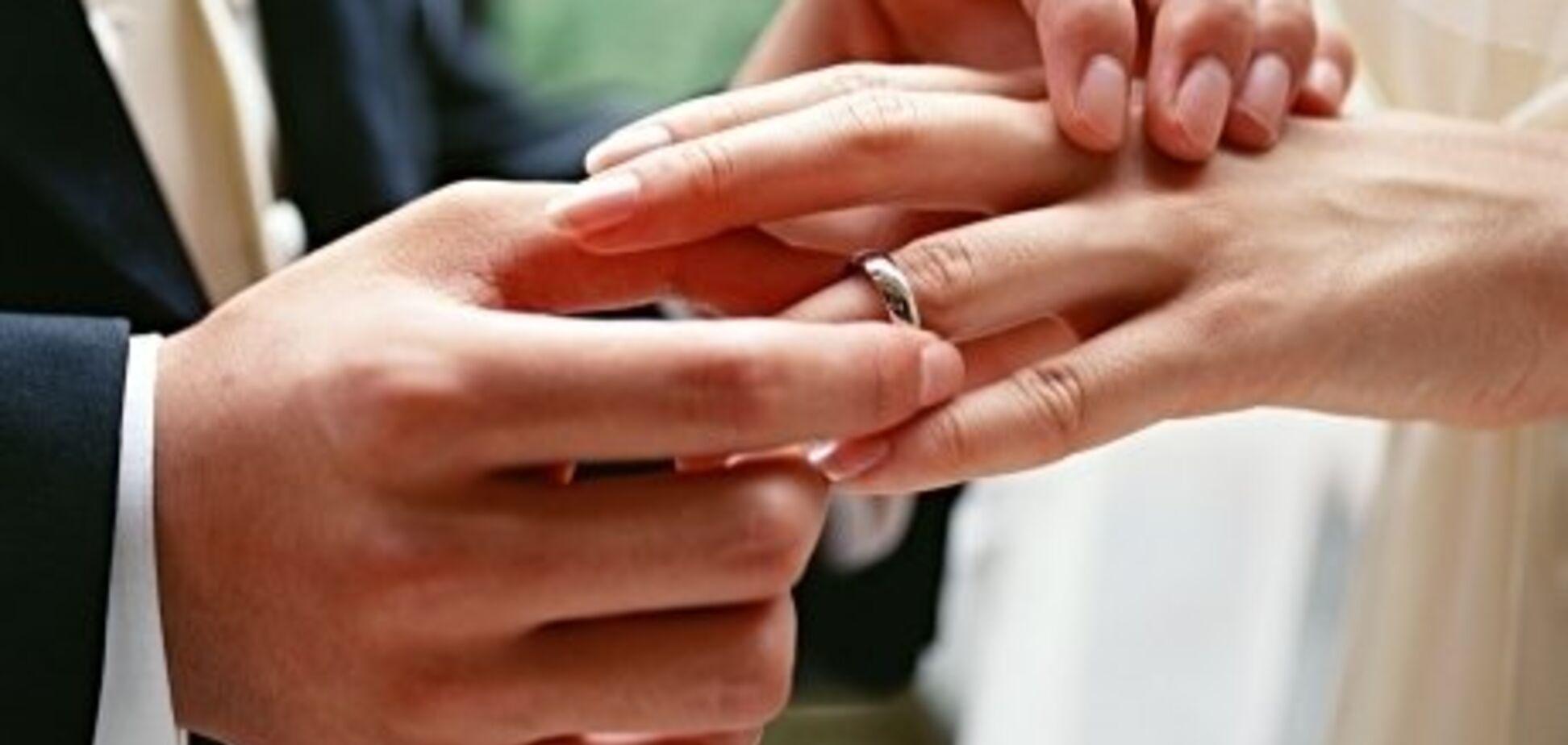 Супруг может делать все, что захочет: избивать, не давать денег, шантажировать