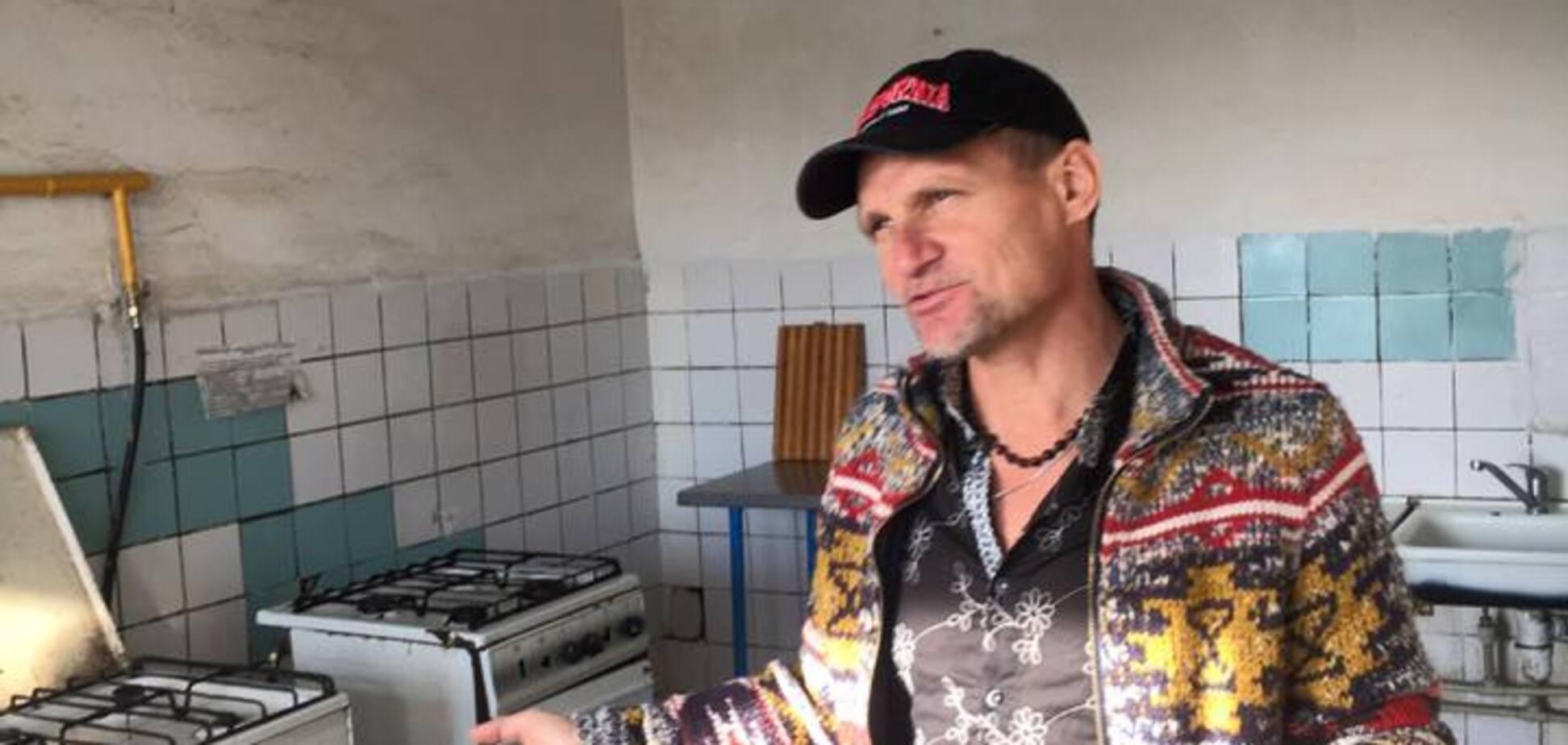 Олег Скрипка в гуртожитку КПІ