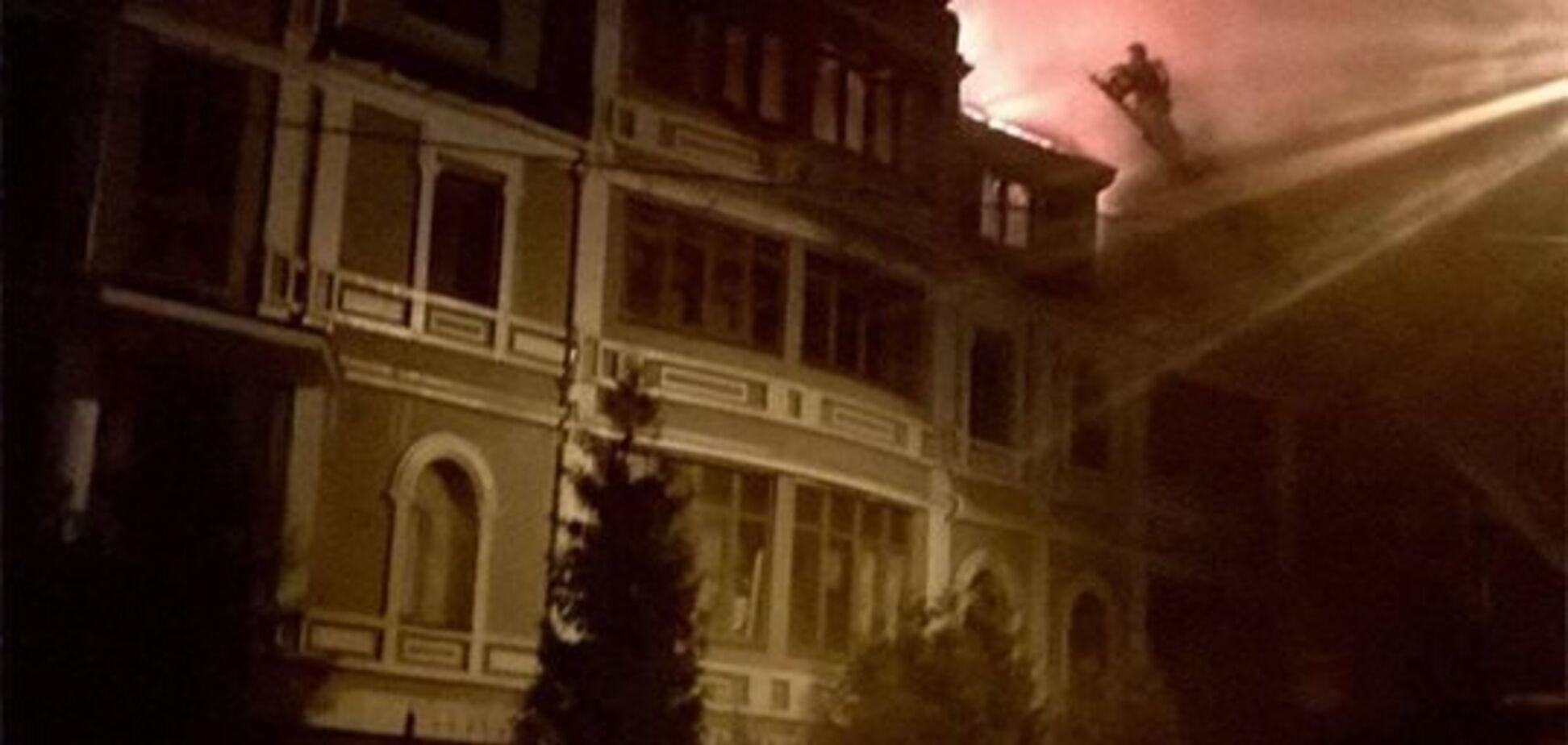 'Мы все сгорели бы заживо': в Киеве вспыхнул мощный пожар в общежитии для переселенцев