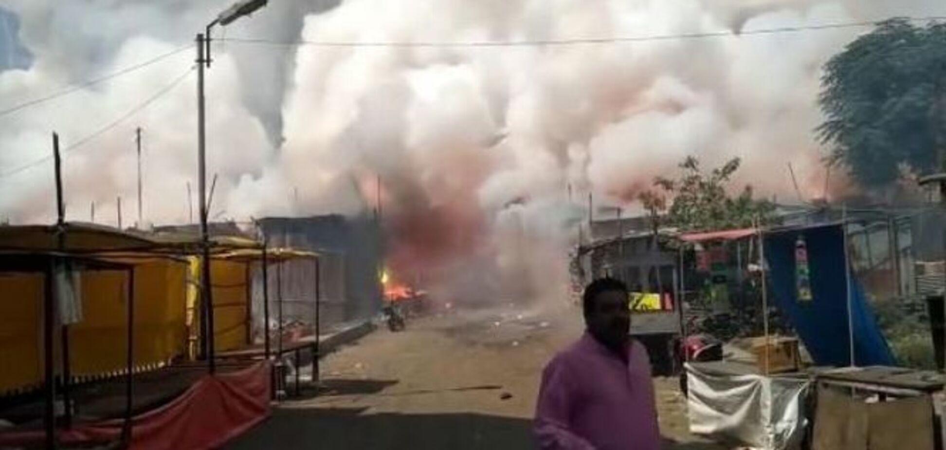 В Індонезії вибухнув завод піротехніки: близько сотні загиблих і поранених