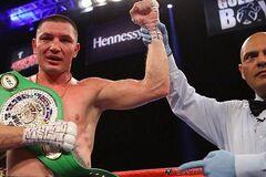Официально. Известный украинский боксер проведет чемпионский бой с лучшим бойцом России