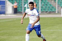 Украинский футболист забил впечатляющий гол с 20 метров: опубликовано видео