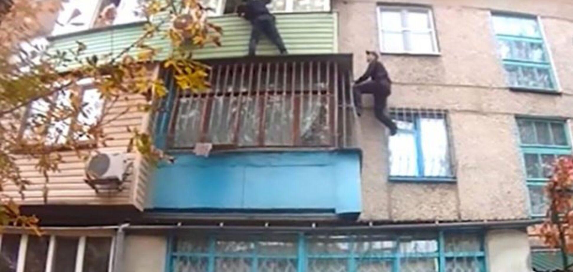 Житель Донбасса взял в заложники 7-летнюю дочь: появилось видео спасения