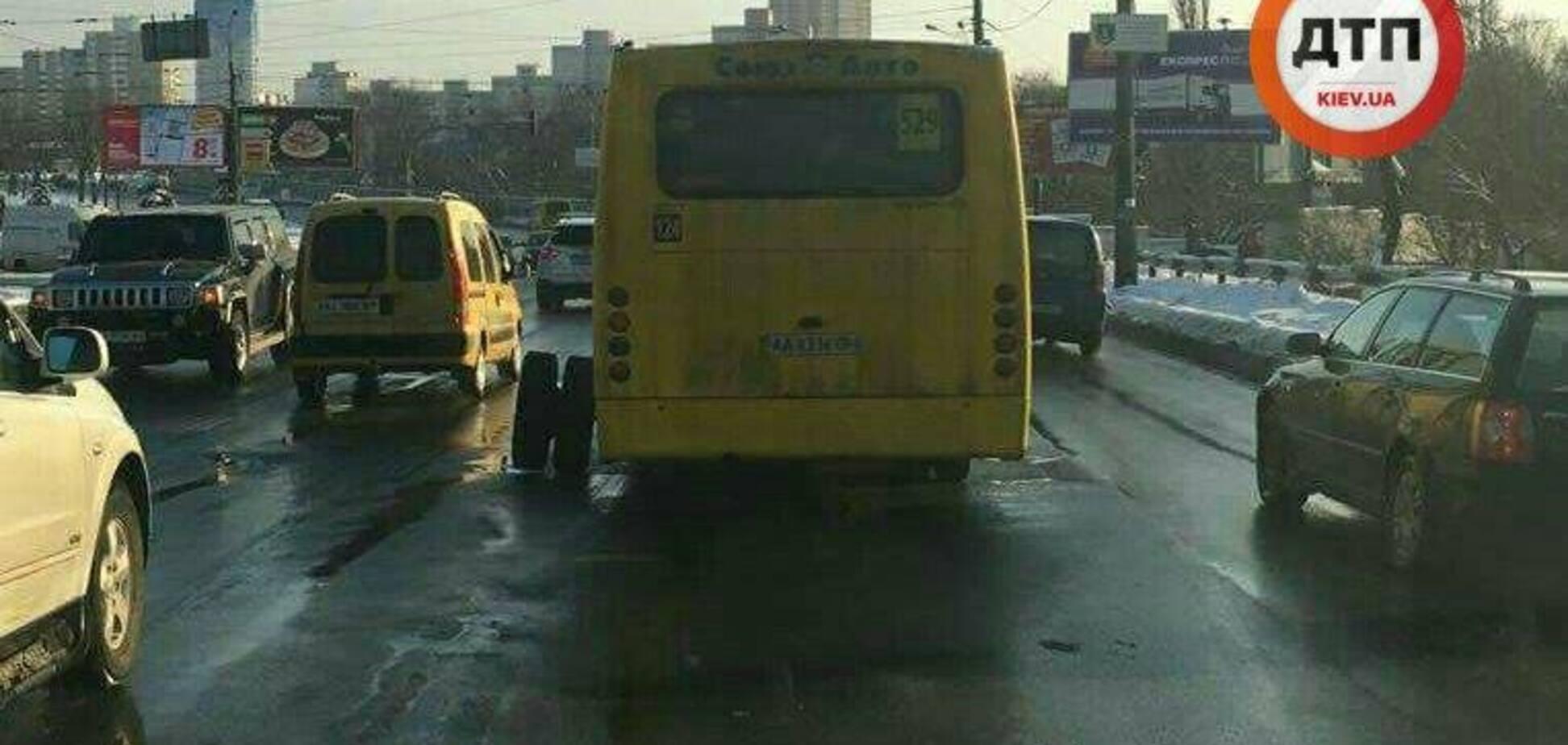 Як у маршруток в Україні злітають колеса на ходу