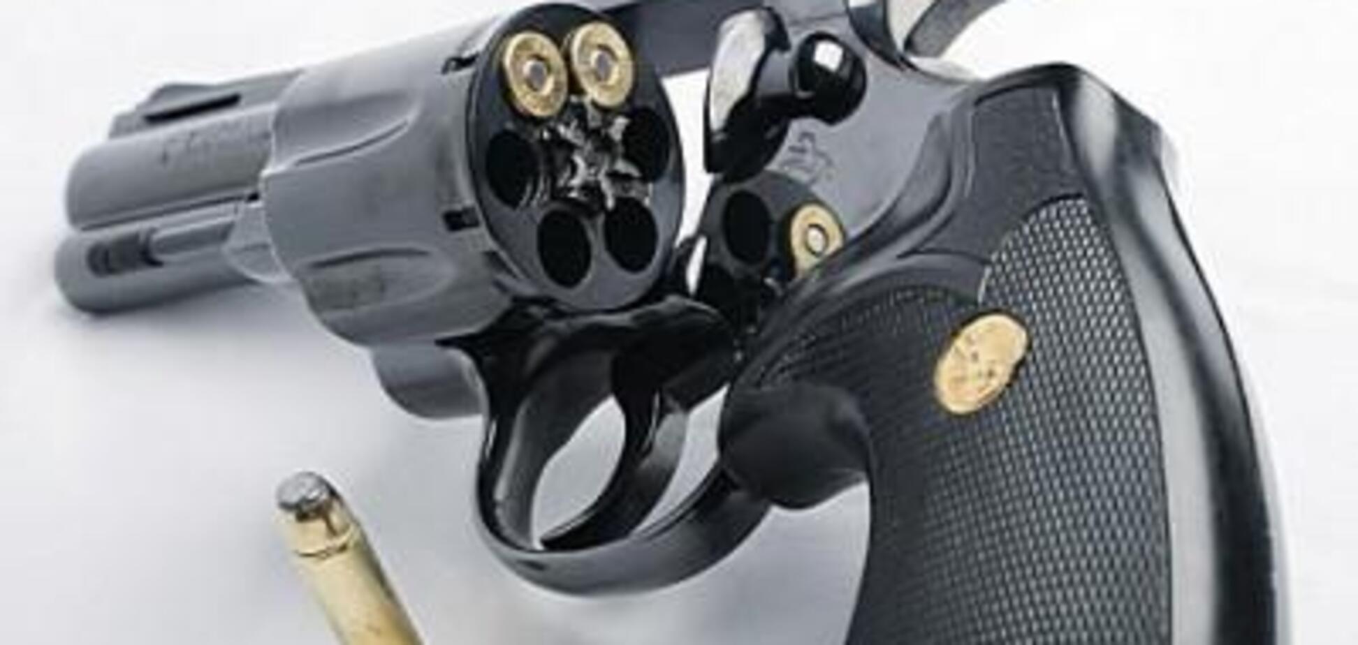 Важливі обставини, пов'язані зі зброєю, її застосуванням та правом на збройний захист