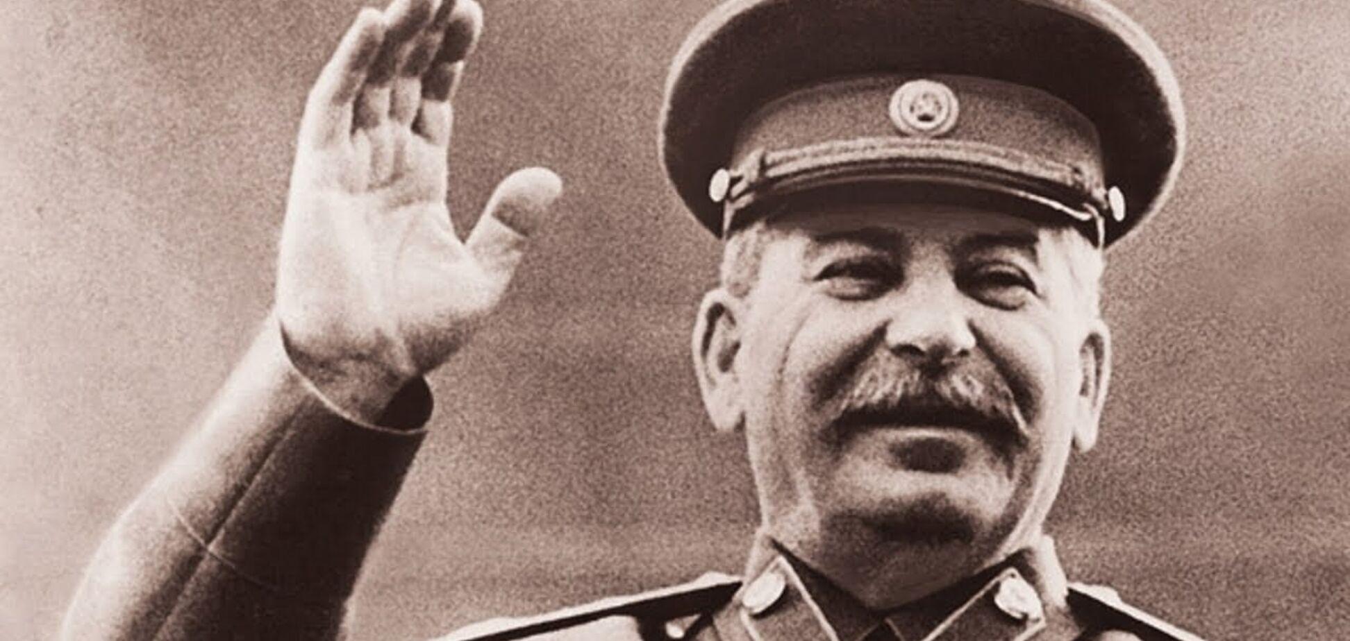 У Росії глава ВТБ здивував появою у костюмі Сталіна: фотофакт