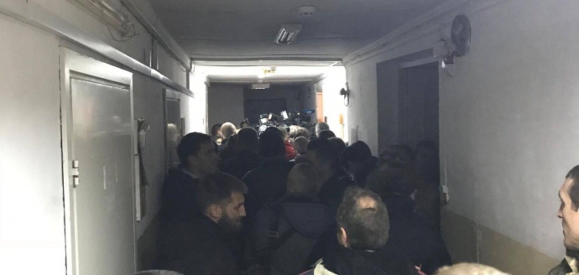 На суд к сыну Авакова прибыла группа поддержки из нардепов: появились фото